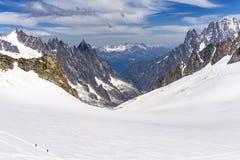 Vue d'alpe en juin du secteur du sommet de Punta Helbronner photo libre de droits