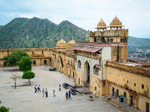 Vue d'Amer Fort sur la colline Photos stock