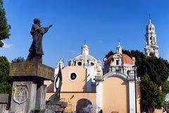 Vue d'architecture d'église et de Colonial Photos libres de droits
