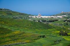 Vue d'Arial d'île et de villages verts de Gozo du vieux château médiéval de tour de Cittadella, également connue sous le nom de c photographie stock libre de droits