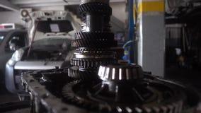 Vue d'atelier de réparations de voiture banque de vidéos