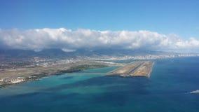 Vue d'atterrissage à l'aéroport de Honolulu Images libres de droits