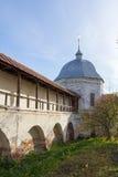 Vue d'automne des murs et des tours du monastère de Goritsky Pereslavl-Zalessky Russie Photographie stock