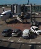 Vue d'avion dans un aéroport de Varsovie photo libre de droits