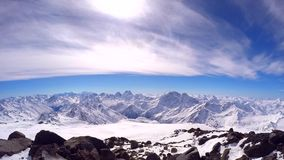 Vue d'Elbrus banque de vidéos