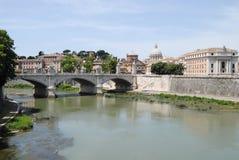 Vue d'ensemble de Rome et de rue Peter Image stock