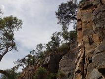 Vue d'escalade de côté de falaise images stock