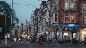 Vue d'Evenning au centre de la ville d'Amsterdam - AMSTERDAM - LES PAYS-BAS - 19 juillet 2017 banque de vidéos