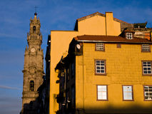 Vue d'église de tour de Clerigos à Porto Photographie stock libre de droits