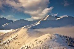 Vue d'hiver de crête de Wolowiec en montagne occidentale de Tatra Image libre de droits