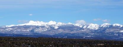 Vue d'hiver de montagne rocheuse Image libre de droits