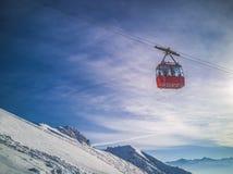 Vue d'hiver des pentes dans les Alpes Image libre de droits