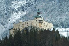 Vue d'hiver du château de Hohenwerfen Festung Hohenwerfen Photo stock
