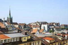 Vue d'horizon de Lausanne vers le lac geneva en été en Suisse Images stock