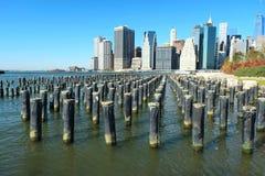 Vue d'horizon de Lower Manhattan de Brooklyn Photos stock
