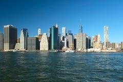Vue d'horizon de Lower Manhattan de Brooklyn Images libres de droits