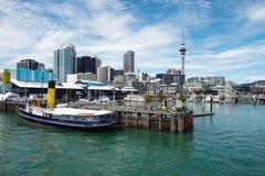 Vue d'horizon de ville d'Auckland des ports d'Auckland photo stock