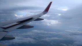 Vue d'hublot d'avion banque de vidéos