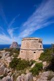 Vue d'Ibiza es Vedra de tour de DES Savinar de Torre Image stock