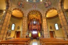 Vue d'intérieur d'église catholique. Alba, Italie. images libres de droits