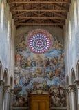 Vue d'intérieur dans l'église du Santissima Annunziata dans Todi, province de Pérouse, Ombrie, Italie photo stock