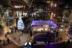 Vue d'intérieur de centre commercial Photo libre de droits