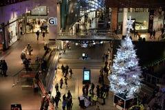 Vue d'intérieur de centre commercial Photos libres de droits