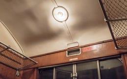 Vue d'Internl d'un compartiment de première classe du train de voyageurs de l'ère de vapeur photographie stock libre de droits