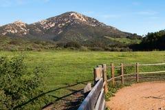 Vue d'Iron Mountain dans Poway, la Californie images stock