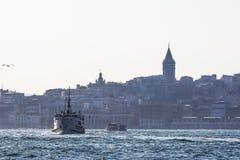 Vue d'Istanbul de la mer Photos stock