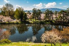 Vue d'Iwaki de bâti de parc de château de Hirosaki Photographie stock libre de droits