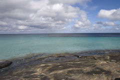 Vue d'océan de cristal - l'eau claire Image libre de droits
