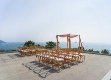 Vue d'océan de lieu de rendez-vous de mariage, chaises de jardin de pliage, brun, Koh Samui, Thaïlande photo libre de droits