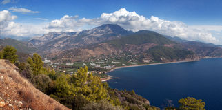 Vue d'océan de montagne Photo libre de droits