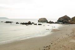 Vue d'océan Fond de nature avec personne Morgat, péninsule de Crozon, la Bretagne, France photo libre de droits