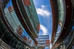 Vue d'oeil de poissons avec des bâtiments d'affaires union carrée de timisoara de 02 Roumanie Images libres de droits