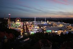 Vue d'Oktoberfest la nuit Photo stock