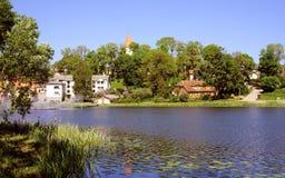 Vue d'un autre côté du lac Photos libres de droits