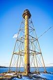 Vue d'un phare en Nouvelle Angleterre pendant un temps clair pendant l'hiver photo stock