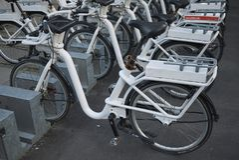 Vue d'un stationnement de bicyclette photographie stock libre de droits