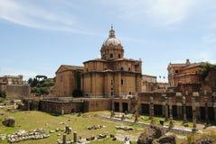 Vue d'une basilique du forum romain Image stock