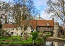 Vue d'une belle et grande maison anglaise, située à l'edg Photo libre de droits