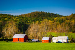 Vue d'une ferme en vallée de Shenandoah rurale, la Virginie Photographie stock libre de droits