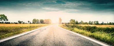 Vue d'une route de campagne Photographie stock