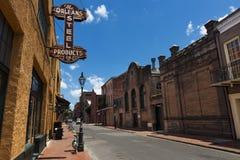 Vue d'une rue dans le quartier français dans la ville de la Nouvelle-Orléans, Louisiane photographie stock