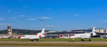 Vue dans l'aéroport de Zurich Photographie stock libre de droits