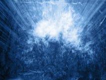 Vue dans la cascade dans le bleu Photos stock