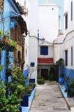Vue dans la rue pittoresque à Rabat, Maroc image stock