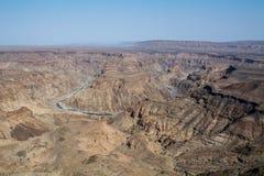 Vue dans le canyon de rivière de poissons Photo stock