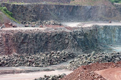Vue dans une carrière de mine à ciel ouvert Photos libres de droits